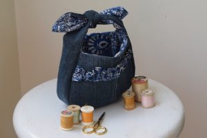 Ruffled denim purse with Cricut|Chambraybluesblog|chambrayblues.com